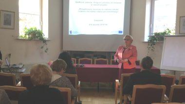 Powitanie uczestników spotkania przez Bożenę Mayer-Gawron, wicedyrektor ORE