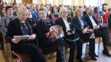 Uczestnicy konferencji - w pierwszym rzędzie od lewej: M. Habib, A. Ludwin, J. Wilewska, J. M. Szczypiń, M. Konopczyński