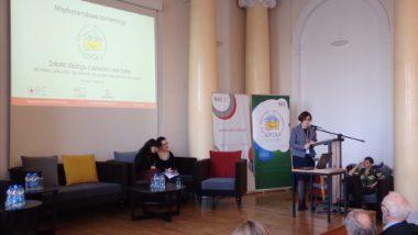 Dorota Macander kierownik Wydziału Wychowania i Profilaktyki ORE odpowiada na pytania uczestników