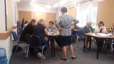 Zajęcia w grupach – analiza programu wychowawczo-profilaktycznego