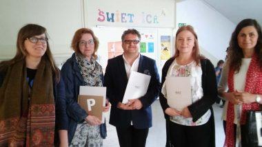 Goście z Estonii i Dyrekcja Szkoły Podstawowej w Łajskach