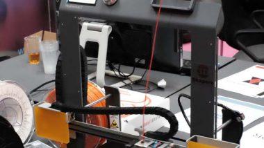 pokaz pracy drukarki 3D
