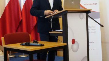 Prof. Marek Konopczyński podczas wykładu inaugurującego
