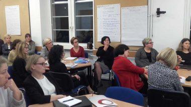 Wizytatorzy ds. specjalnych potrzeb edukacyjnych podczas warsztatów na spotkaniu informacyjno-konsultacyjnym