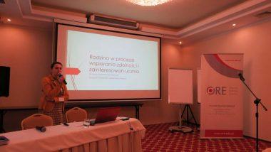 prezentacja dr Sylwii Gwiazdowskiej-Stańczak nt wpierania zdolności przez rodzinę