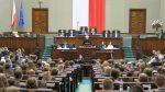 widok sali sejmowej - przemawia Stanisław Zubek – wicedyrektor ORE