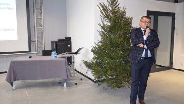 Wicedyrektor Ośrodka Rozwoju Edukacji Tomasz Madej przedstawia zmiany w szkolnictwie branżowym