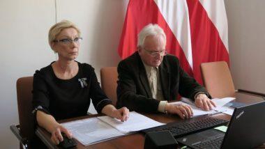 Od lewej Agnieszka Karczewska-Gzik, kierownik Wydziału Rozwoju Kompetencji Społecznych i Obywatelskich, Stanisław Zubek, wicedyrektor Ośrodka Rozwoju Edukacji