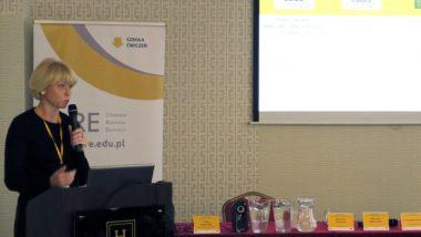 dr Dominika Walczak, Instytut Badań Edukacyjnych podczas wykładu dotyczącego prestiżu zawodu nauczyciela