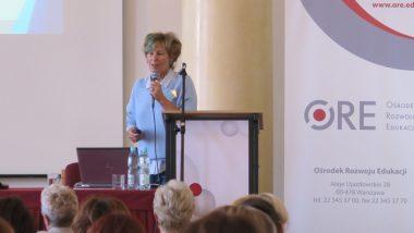 Małgorzata Dońska-Olszko – Dyrektor Zespołu Szkół Specjalnych wWarszawie podczas wystąpienia
