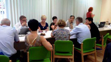 Praca w grupach podczas spotkania Wiejskiej Grupy Wymiany Doświadczeń. Spotkanie odbyło się w dniach 14-15 września 2016r. w Urzędzie Gminy Lubicz
