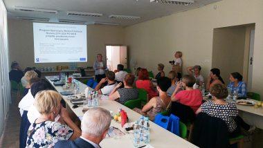 Prezentacja założeń projektu podczas spotkania Wiejskiej Grupy Wymiany Doświadczeń. Wystąpienie kierownika projektu – p. Doroty Jastrzębskiej